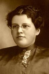 Bertha Mae Lillenas